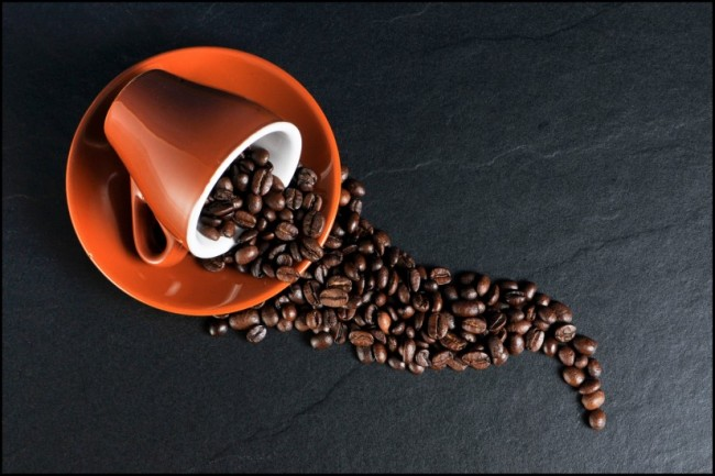 beans-coffee-cup-2059-825x550